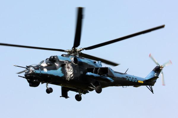 MIL MI-24V Hind met registratie 7353.