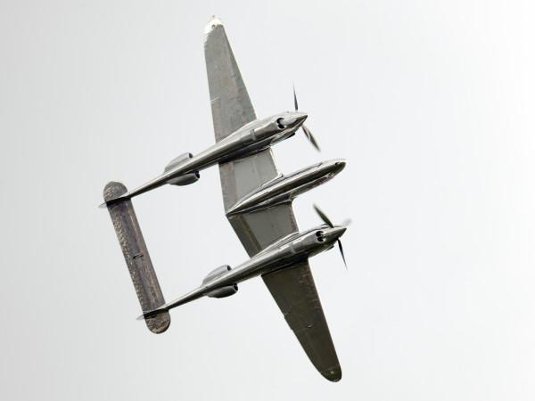 De P-38L haalt een topsnelheid van 667 km/h (Foto Peter Steehouwer).