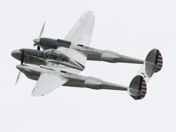 P-38 Lightning van Red Bull (Foto Peter Steehouwer).