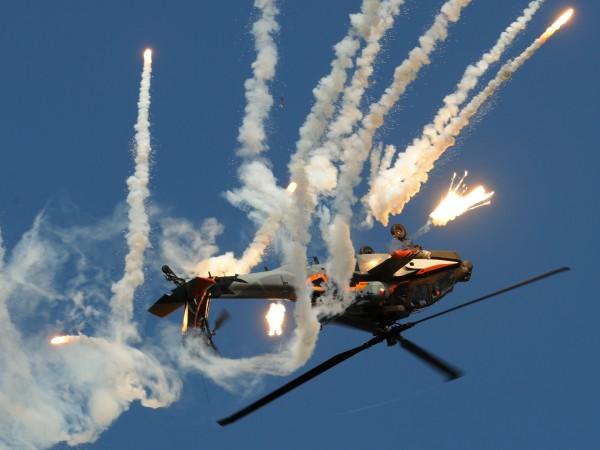 AH-64D Apache (foto Peter Steehouwer)