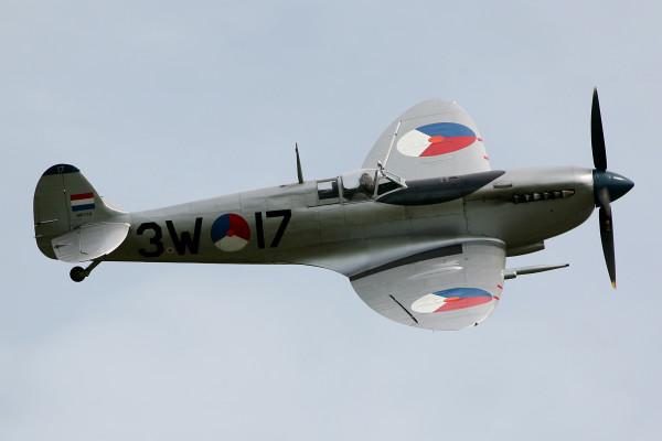 Spitfire (Foto Rob van Ringelesteijn)
