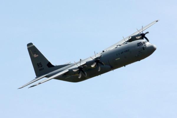 DeE C-130J tijdens de show van 2012.
