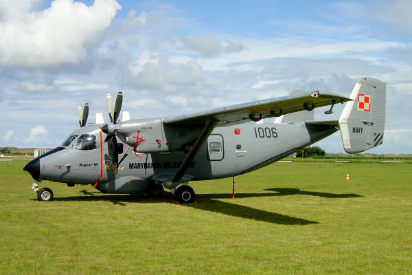 De Antonov M-28B/PT op de show van 2001.