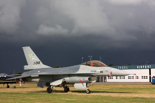 Static F-16AM.